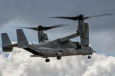 MV-22A Osprey in action at the NAS Miramar Air Show in San Diego_TOM8502-Edit