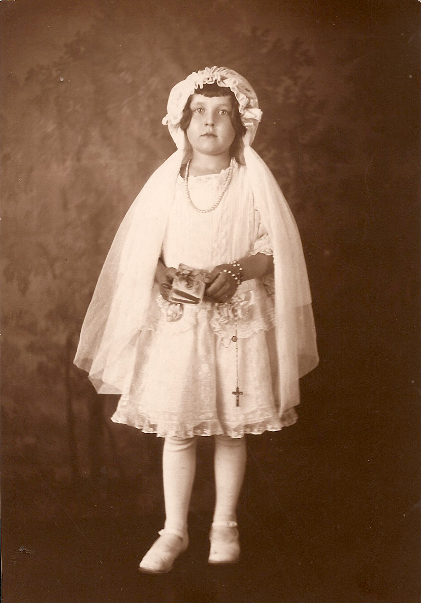 Avonel Cora Morrison  age 6 at First Communion      5/29/22