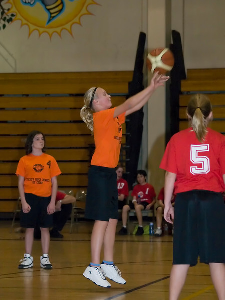 Lisa making a freethrow.