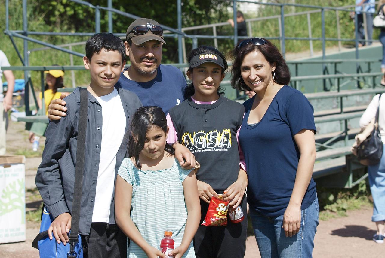 Dalia and family