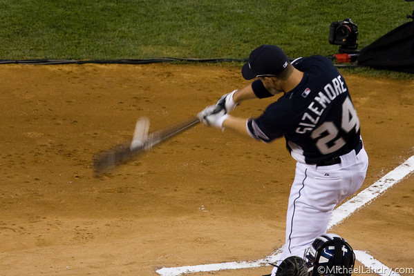 Grady Sizemore swings for the fences
