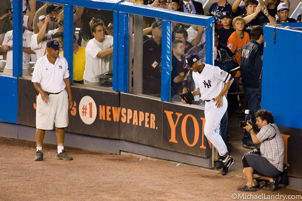 "Mariano Rivera enters the game (cue ""Enter Sandman"")"