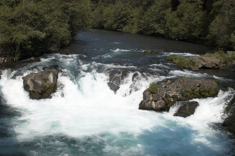 The big waterfall on the White Salmon