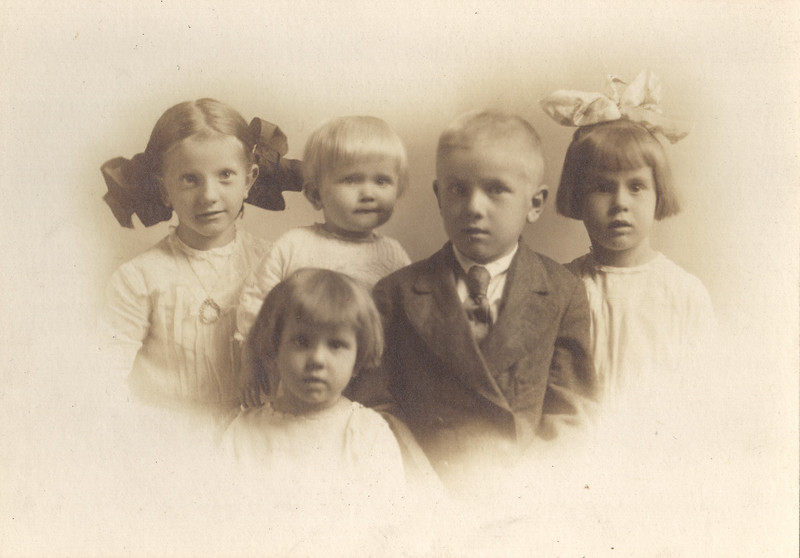 The Henry C. Wittman Children, Ruth, Clement, Francis, Edith and Mildred
