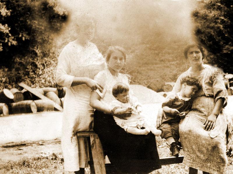 First Person?, Grandma Rose, Lenny Schwartz?, Larry (Lester) Schwartz, Rae Schwartz