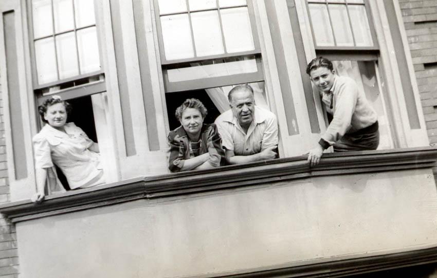 Bea Katz, Grandma Rose, Sam Schwartz, Sol Schwartz