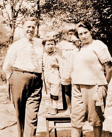 Sam Schwartz, Lenny Schwartz, Bea Katz, Grandma Rose