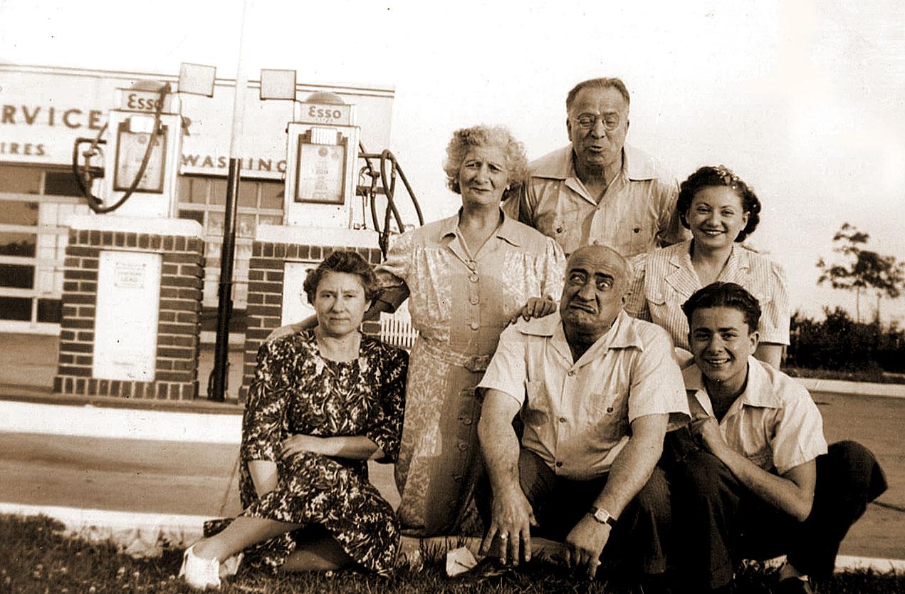 (L to R):  Grandma Rose, Aunt Ray (Harry Schwartz's wife), Uncle Harry Schwartz, Bea Katz, Sol Schwartz  Rear:  Sam Schwartz