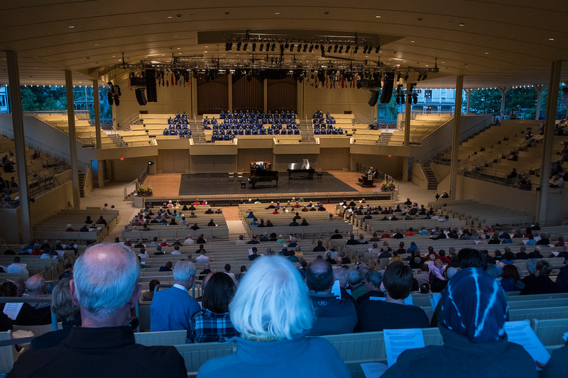 Ken Medema, pianist, and the Chautauqua Choir perform at the Sacred Song Service on Sunday, June 25, at the Amphitheater. OLIVIA SUN/STAFF PHOTOGRAPHER
