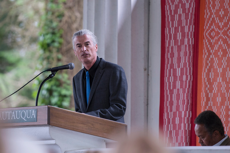 """Dr. Kelly Bulkeley speaks at the Hall of Philosophy on Monday, Jun. 26. Dr. Bulkeley is a psychologist of religion specializing in dream research, and led the lecture """"Big Dreams: The Science of Dreaming and the Origins of Religion."""" OLIVIA SUN/STAFF PHOTOGRAPHER"""