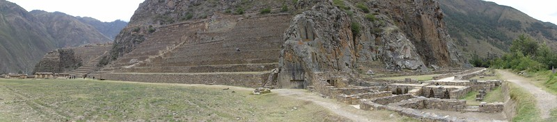Ollantaytambo. To the righ, some house ruins on the valley floor.
