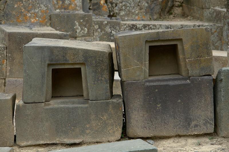 More Tiwanaku style shapes.
