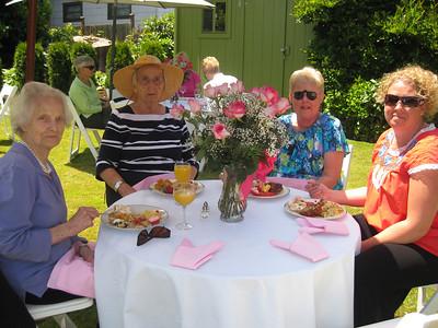 Aunt Rita, Grandma Norma, Linda & Melody