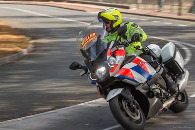 Motorpolitie gaat vooraf aan het peloton