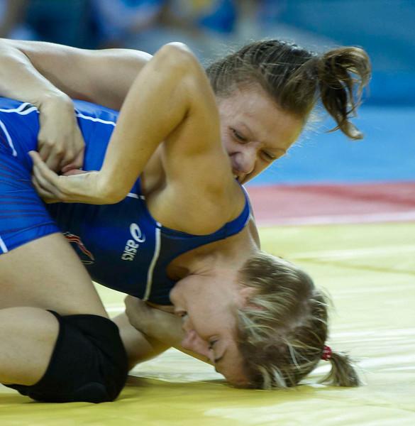 Marcie Van Dusen (USA) dec  Nataliya Synyshyn (Ukraine)-DCH_2649