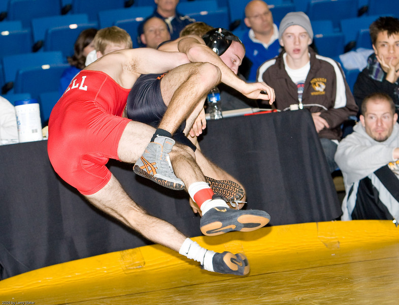 133 Mike Grey (Cornell) def  Kelly Kubec (Oregon State)_R3P9913