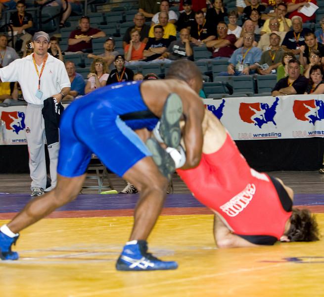 60 kg Shawn Bunch def  Mike Zadick_R3P3917