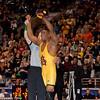 125 Anthony Robles (ASU) def  Matt McDonough (Iowa)_R3P4498