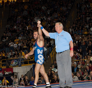 66kg Jared Frayer def  Brent Metcalf_R3P3711