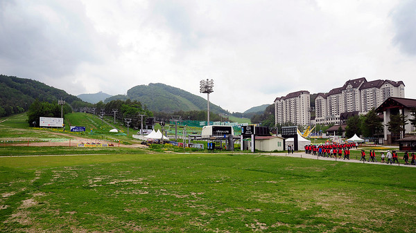 YongPyong resort, site of the slalom and giant slalom for the 2018 Olympics at PyeongChang, South Korea. Venues are in far background. (USSA/Tom Kelly)