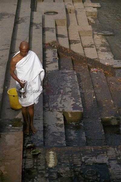 Honoring an Ancestor – Nepal