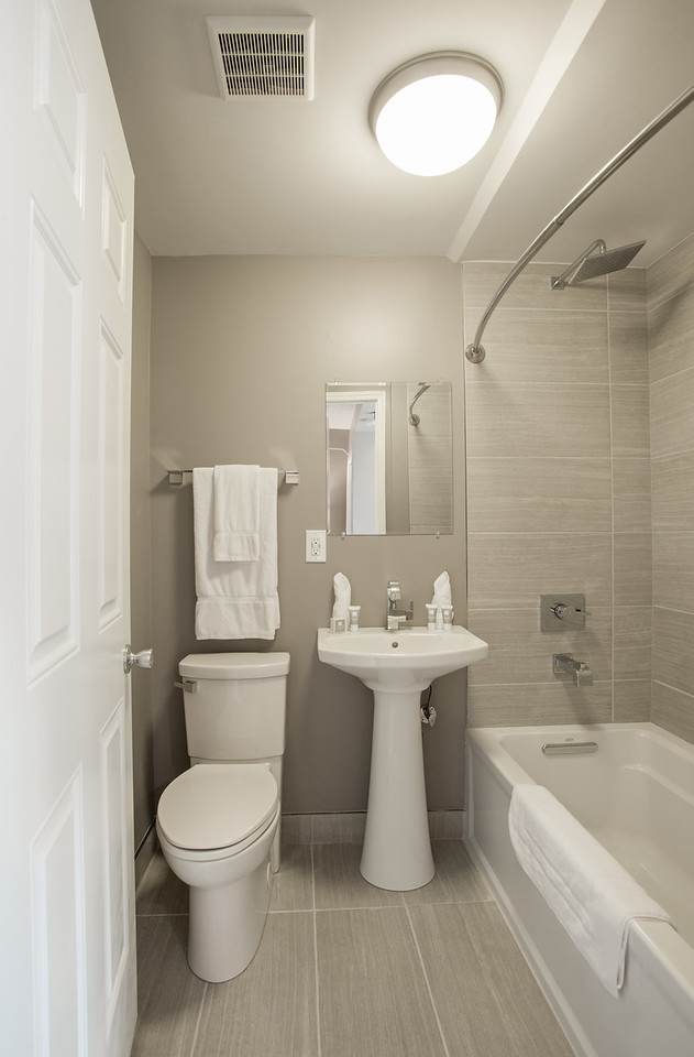Premier Queen Loft Bathroom