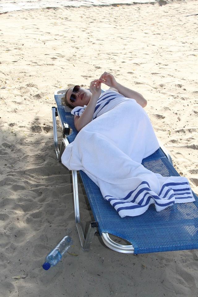 Avoiding the sun and sleeping after the trek