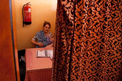 Marta w 'Familiy Roomie' w kanjpie - dobre miejsce na karmienie