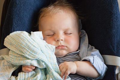 Mlody jak zwykle spal doskonale