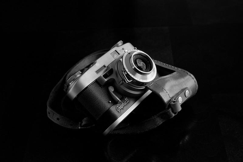 Graflex Graphic 35 on Kodak T-Max 100 taken with Konica AutoReflex T2