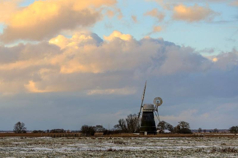 Cloudy sky over Mutton's Mill on Halvergate Marsh (February 2018)
