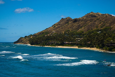 Ka'alawai Beach, a perfect cove with views of the lesser-viewed east side of Diamond Head.
