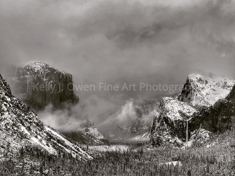 Breaking Winter Storm - Yosemite National Park