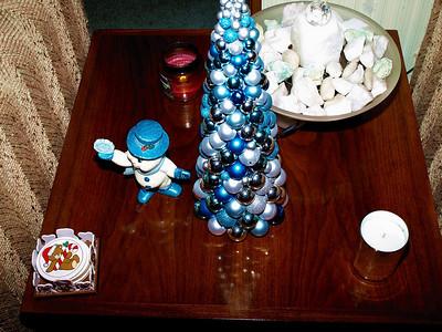 0140 End Table decoration