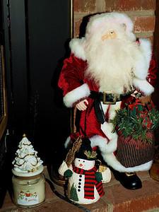 0180 Fireplace Santa
