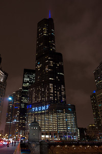 Chicago Night Stroll