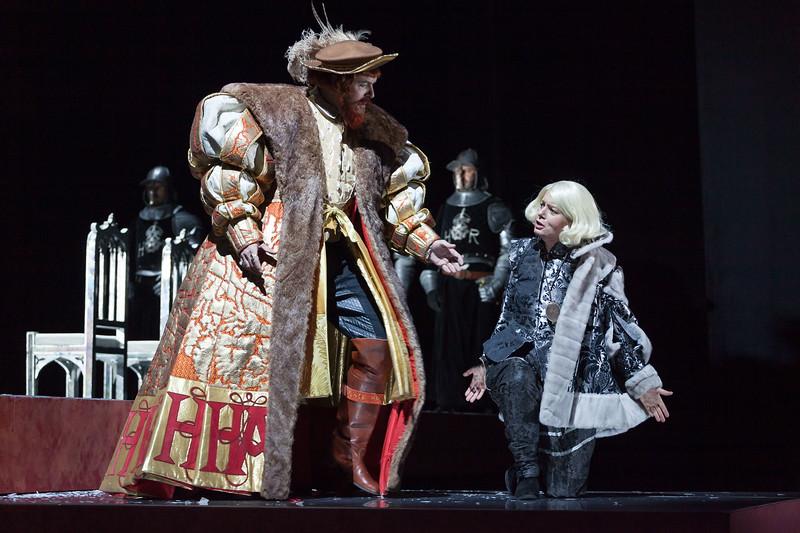 Simón Orfila (Bass) sings Enrico VIII and Alexandra Rivas (Mezzosoprano) sings Smeton in the opera Anna Bolena (G. Donizetti, 1830). Teatro de la Maestranza, Seville.