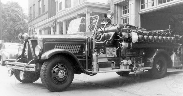 Mack 1930 750 pumper Union Fire Co No. 1, Lebanon PA