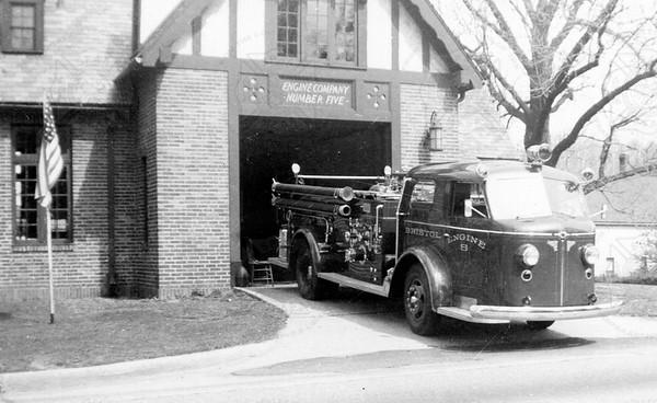 American-LaFrance 1947 710-PJC L-3082  Bristol CT E5