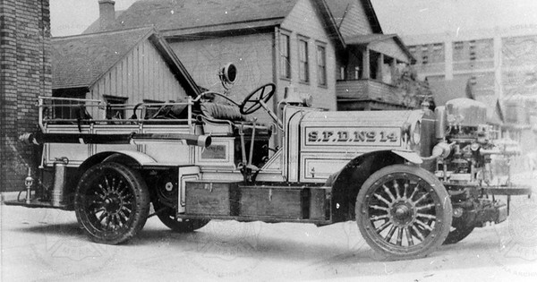 Ahrens-Fox 1915 Reg 549 Model A Syracuse