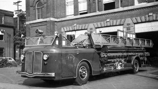 American-LaFrance 1940 JOX Ottawa