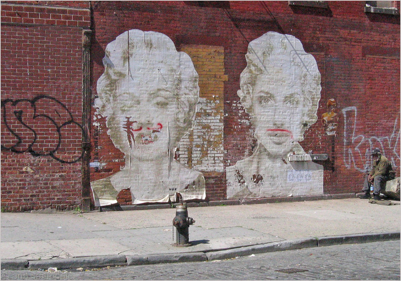 """On the way to the """"High Line"""" - Madonna in the Meat Packing District"""
