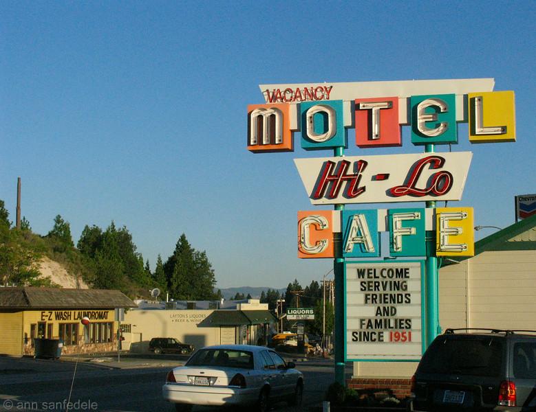 Hi-Lo Motel and Cafe