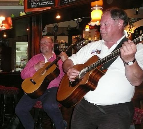 A guitar duo