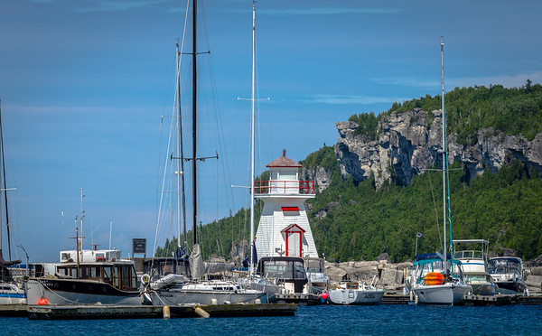 Lion's Head marina and lighthouse