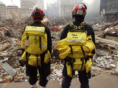 DR-1391-NY 9-25-2001 CO-TF1 Member entering ground Zero