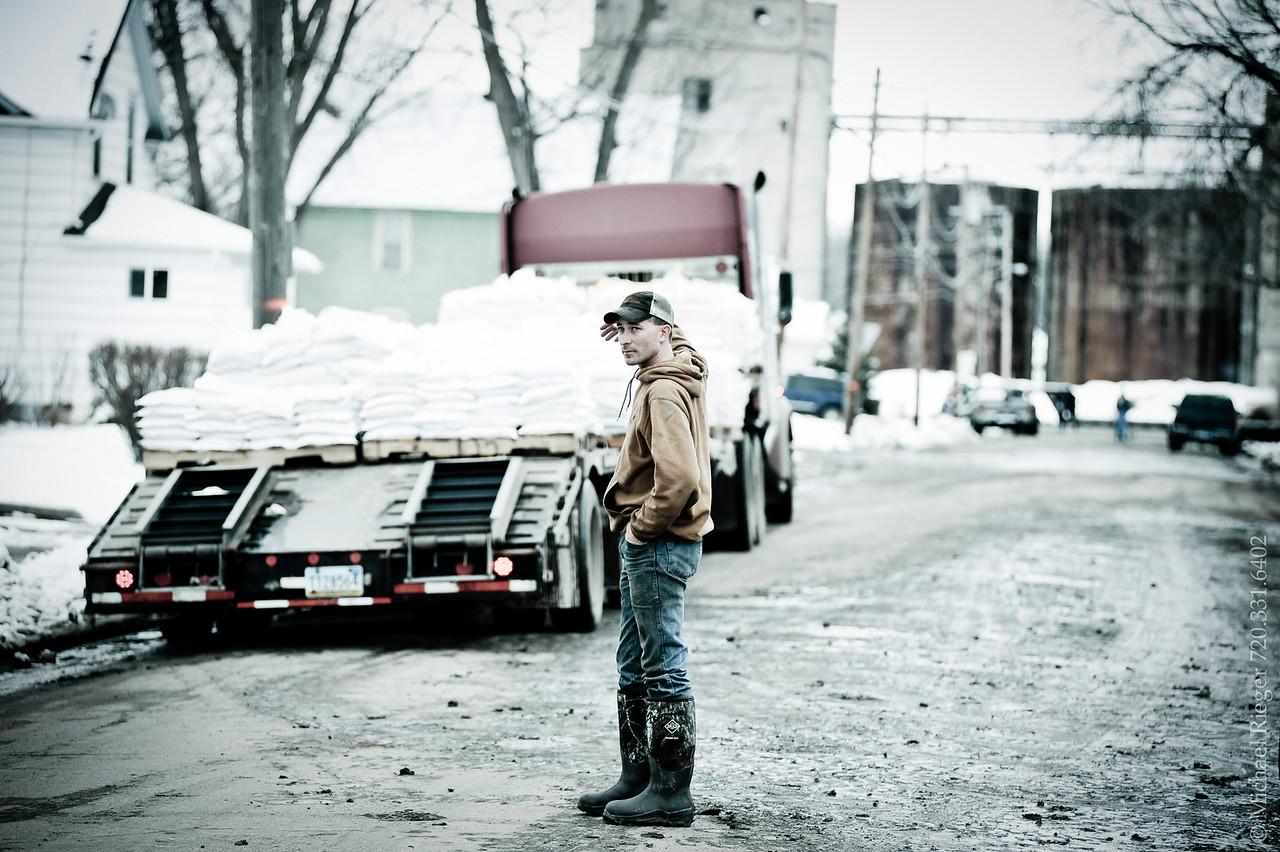 Flood fight Valley City, North Dakota, 2011.