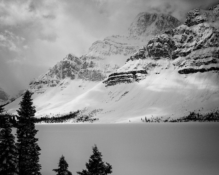 Crowfoot Mountain, Bow Lake