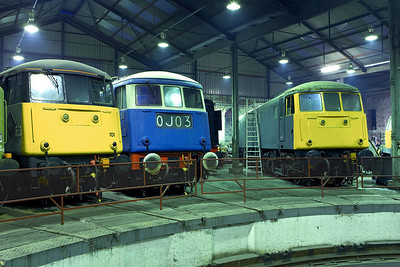 (Left-right) 85101, E3035 (83012) & 81002 rest inside the roundhouse at Barrow Hill TMD on 12/02/2206.