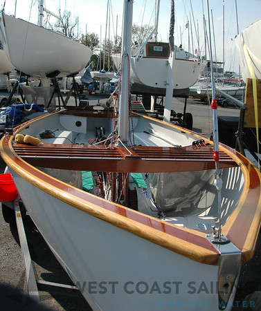 Thistle USA 3994 Sailboat Photo Gallery